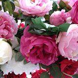 Розовые пионы и розы