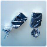 конфеты упакованы косичкой-ёлочкой